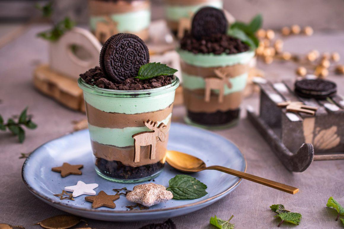 Oreo kozarčki s čokolado in meto